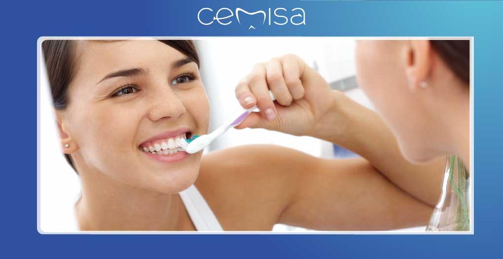 come mantenere denti sani