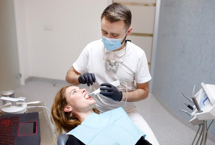 costo pulizia denti 3